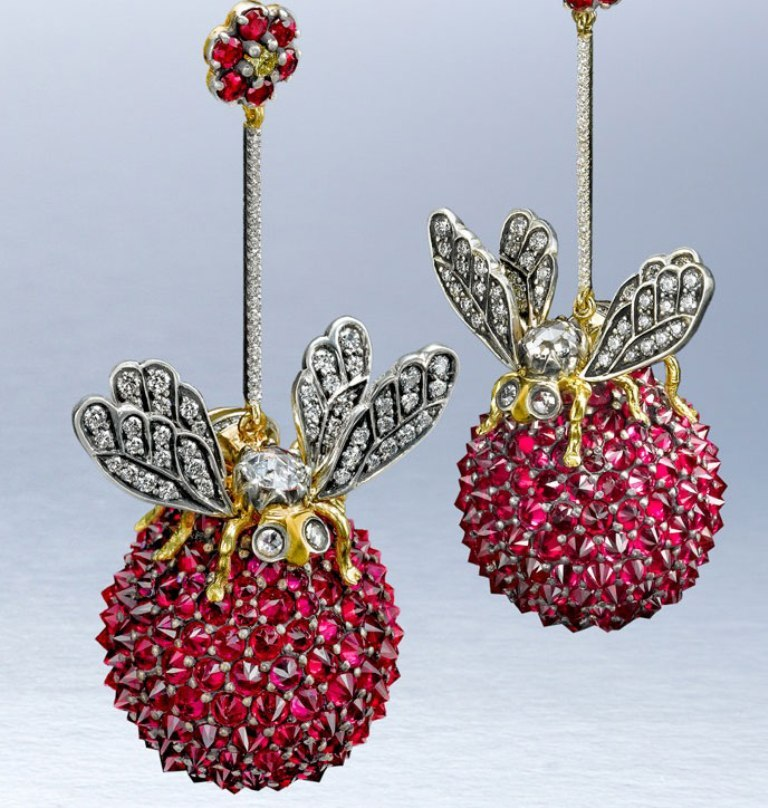 ark_-bees-on-a-ruby-ball_-earrings_-2008_-rubies_-diamonds_-silver-and-18-carat-gold 45 Unusual and Non-traditional Earrings