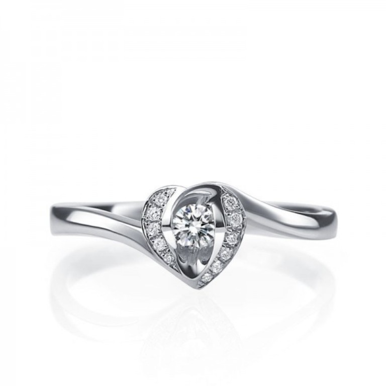bestselling-heart-shaped-round-solitaire-diamond-engagement-ring. 35 Fascinating & Stunning Round Solitaire Engagement Rings