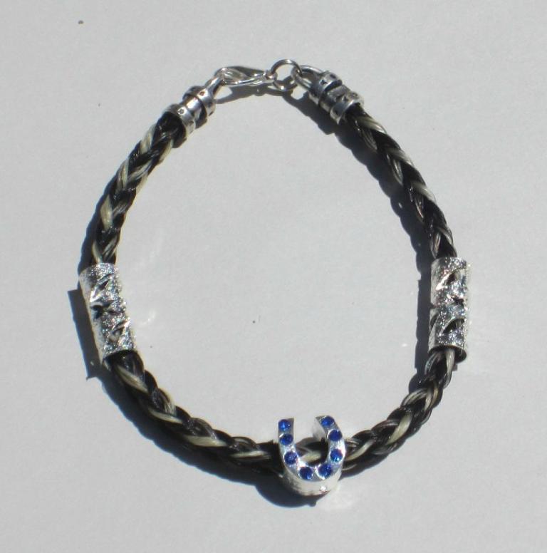 bizupdate_a078dd0ba969230ca3891f37feb6f79a3ee27665 45 Elegant & Breathtaking Horse Hair Bracelets