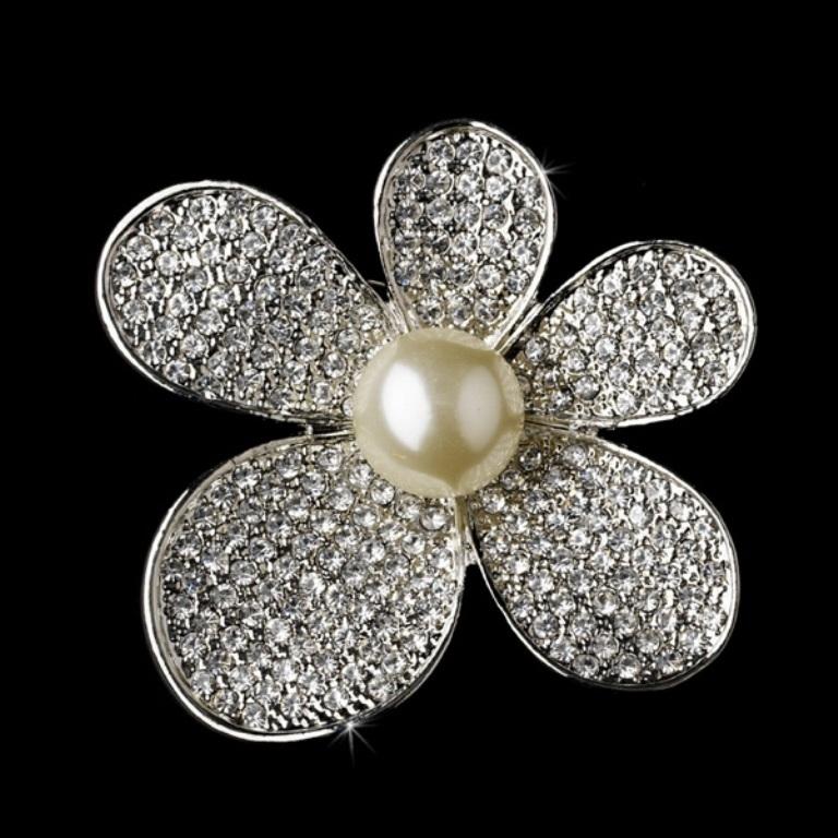 bridal-brooches-silver-rhinestone-082313 50 Wonderful & Fascinating Pearl Brooches