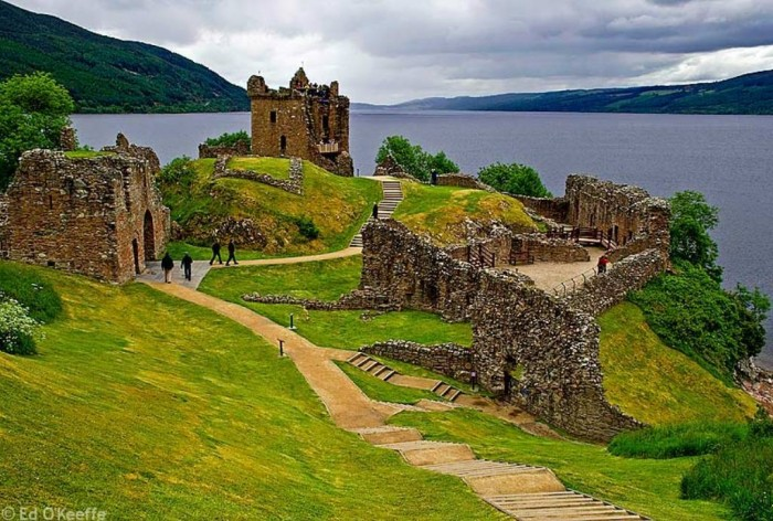 castle_loch_ness_scotland Top 10 Best Countries to Visit in the World
