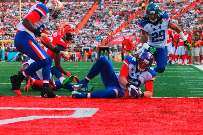 chad_greenway_recovers_fumble_2012_pro_bowl 2014 Pro Bowl Will Be As If You Have Never Seen It Before