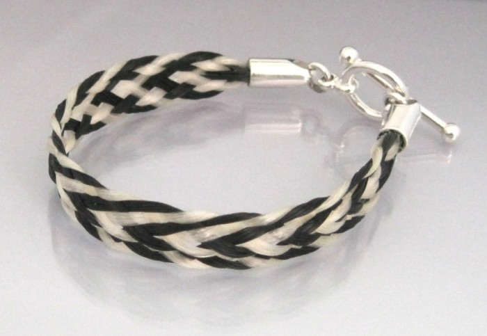 chevron-5mm-toggle 45 Elegant & Breathtaking Horse Hair Bracelets