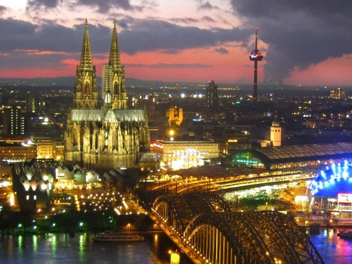 cologne_germany_by_night_2048x1536_wallpaper Top 10 Most Powerful Countries in the World