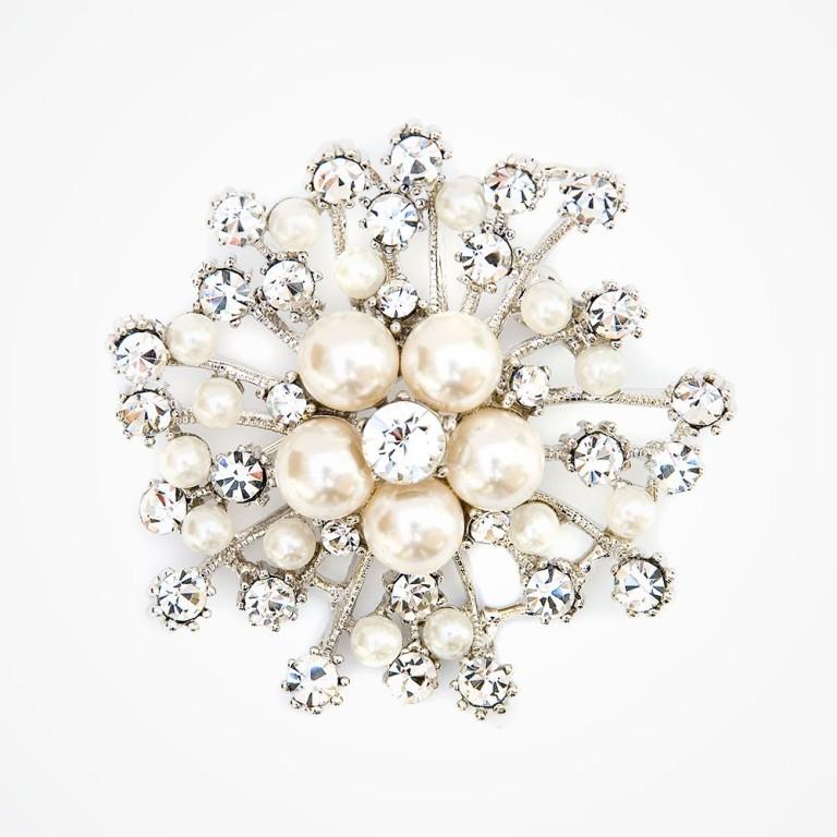 crystal-love-brooch 50 Wonderful & Fascinating Pearl Brooches