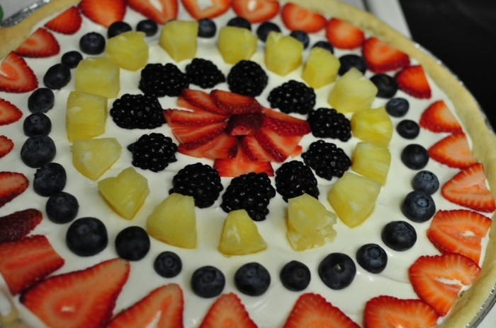 dsc_0122 Do You Like Fruit Pizza? Learn How to Make It on Your Own