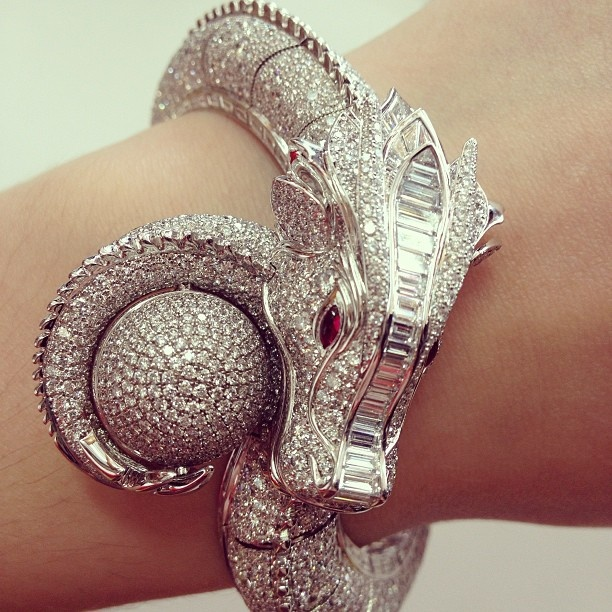 e2be24cd46c821c29b20aa9ecb65f0b9 65 Most Expensive Diamond Watches in the World