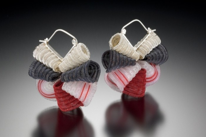 f35ad1df3e8b150af8bde6106518d227 45 Unusual and Non-traditional Earrings