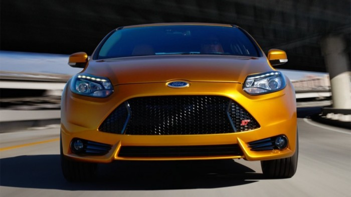 fcs14_st_pg_001_960 2014 Ford Focus Is Available in 7 Catchy & Fuel-Efficient Models at Competitive Prices
