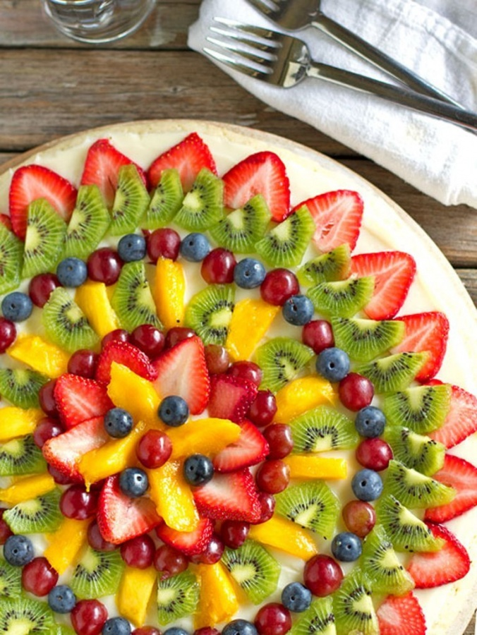 fruit-pizza-2 Do You Like Fruit Pizza? Learn How to Make It on Your Own