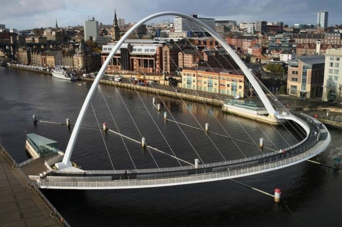 gateshead-millennium-bridge-72 Have You Ever Seen Breathtaking & Weird Bridges Like These Before?