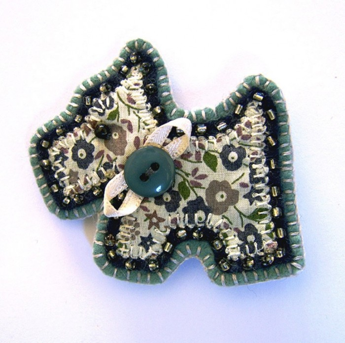 handmade_dog_brooch_main 45 Handmade Brooches to Start Making Yours on Your Own