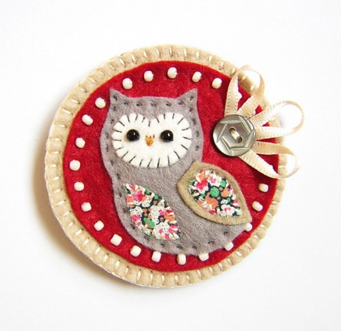 handmade_felt_owl_brooch_main 45 Handmade Brooches to Start Making Yours on Your Own
