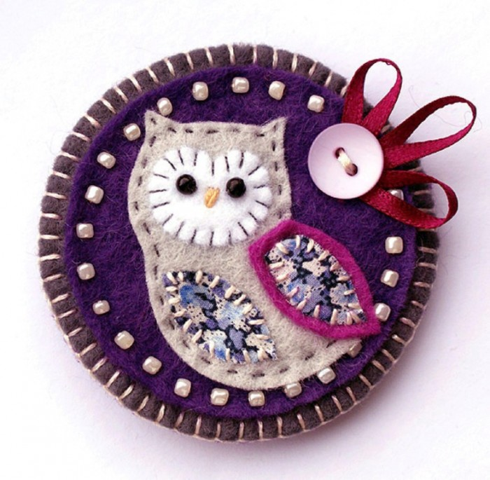 handmade_owl_brooch_main 45 Handmade Brooches to Start Making Yours on Your Own