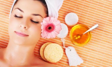 honey-face-mask Top 10 Health Benefits Of Honey