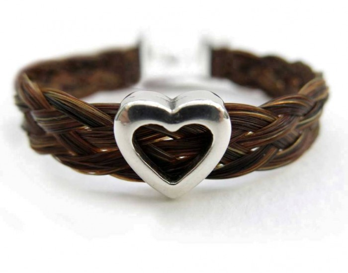 horse-hair-bracelet-heart-slider2 45 Elegant & Breathtaking Horse Hair Bracelets