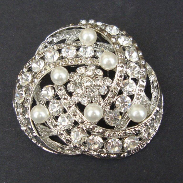 il_570xN.334810536 50 Wonderful & Fascinating Pearl Brooches
