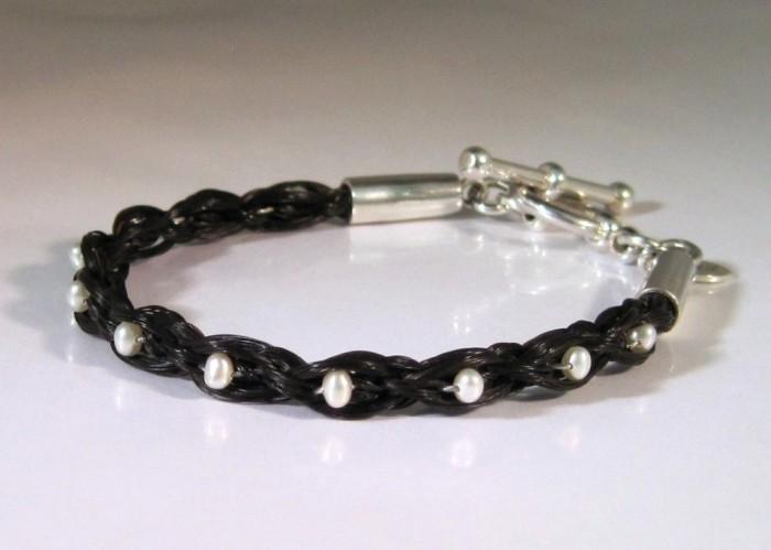 item_13__37413.1351280533.1280.1280 45 Elegant & Breathtaking Horse Hair Bracelets