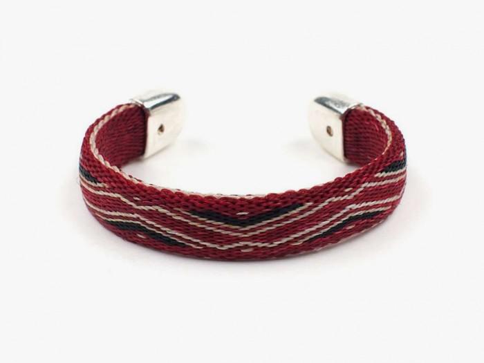 japan-meets-america-design-04 45 Elegant & Breathtaking Horse Hair Bracelets