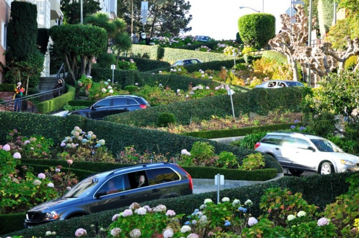 lombard-street. 55 Most Fascinating & Weird Roads Like These Before?