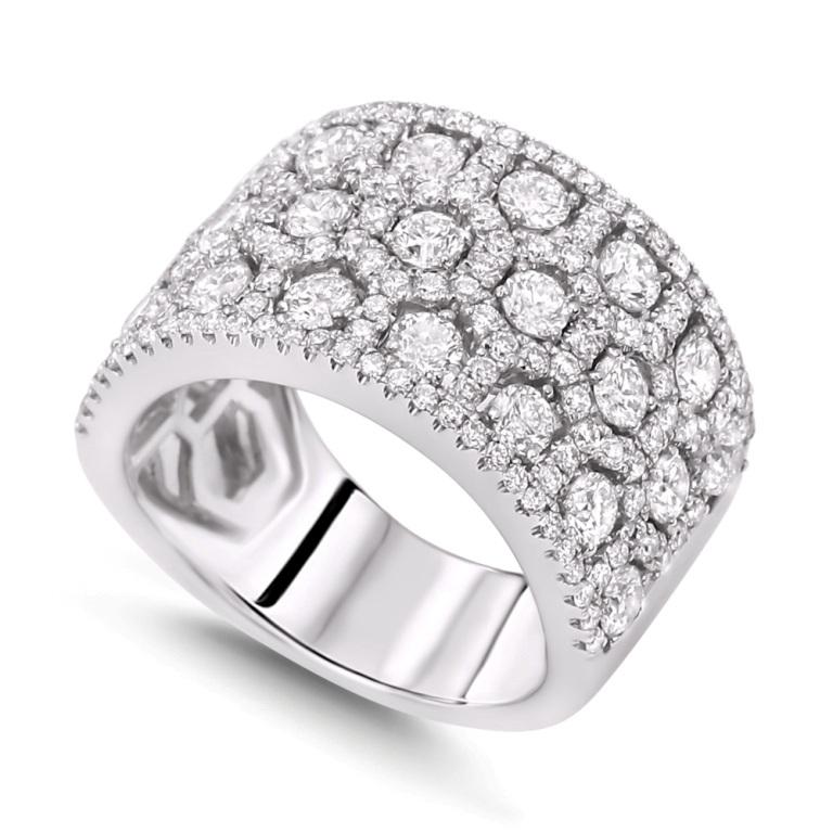 luxury-diamond-wedding-bands 60 Breathtaking & Marvelous Diamond Wedding bands for Him & Her