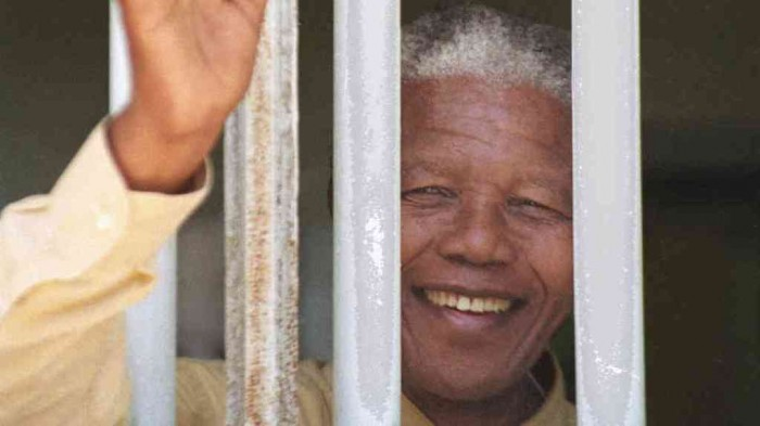 "mandela-robben_wide-e41b84fb6488fc4426e3f63aafe0feb9834e2ce8-s6-c30 The Anti-apartheid Icon "" Nelson Mandela "" Who Restored His People's Pride"
