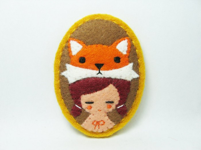 mr.-fox-and-girl-felt-pin 45 Handmade Brooches to Start Making Yours on Your Own