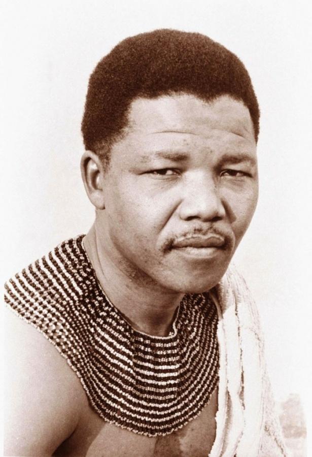 "nelson-mandela-01 The Anti-apartheid Icon "" Nelson Mandela "" Who Restored His People's Pride"