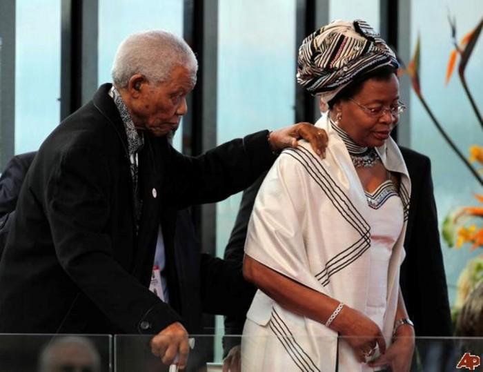 "nelson-mandela-graca-machel The Anti-apartheid Icon "" Nelson Mandela "" Who Restored His People's Pride"