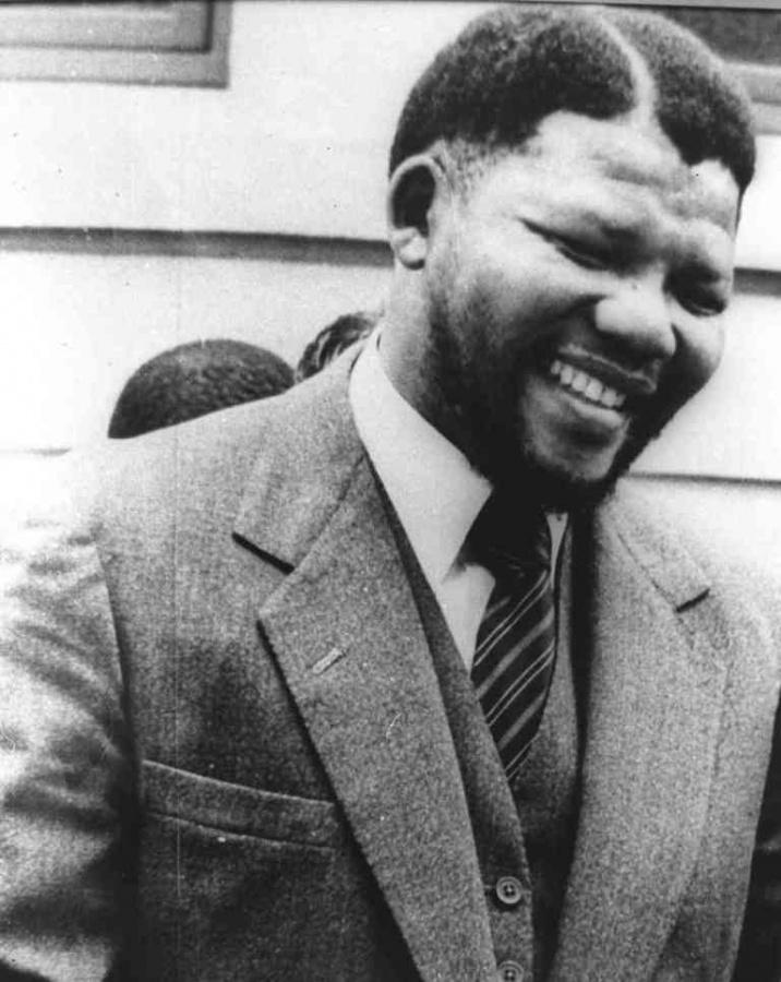 "nelson-mandela1_custom-64127a3bc8c249783e3bca36a00d3c933c63254f-s6-c30 The Anti-apartheid Icon "" Nelson Mandela "" Who Restored His People's Pride"