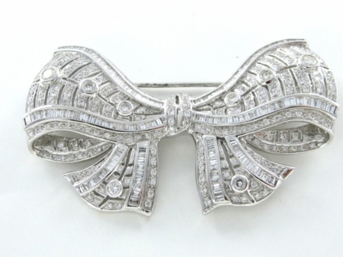 no-brand-18kt-karat-white-gold-pin-brooch-140wt-bow-297-diamond-vintage-antique-fine-413469-5 35 Elegant & Wonderful Antique Diamond Brooches