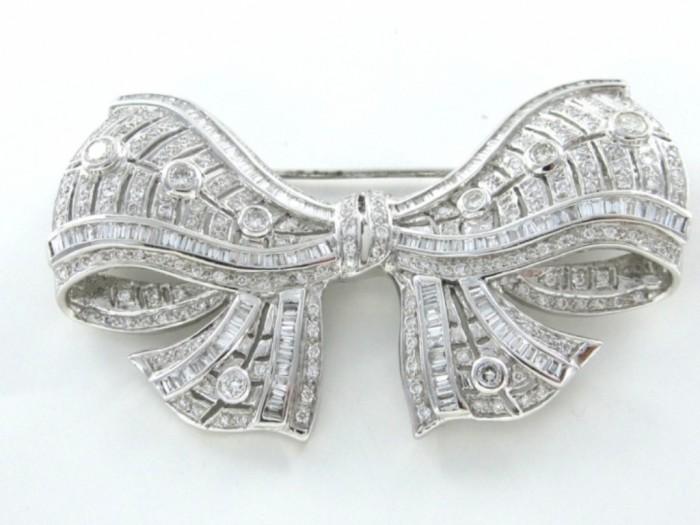 no-brand-18kt-karat-white-gold-pin-brooch-140wt-bow-297-diamond-vintage-antique-fine-413469-5 35 Elegant & Wonderful Antique Diamond Brooches