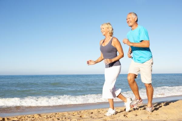 older-couple-running-beach-11072102 12 Reasons and Benefits Which Will Make You Start Running From Now On