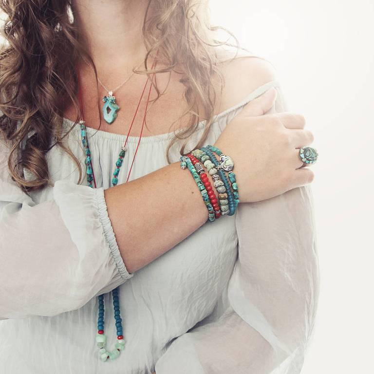 original_coral-and-silver-bracelet 65 Fabulous & Stunning Handmade Beaded Gemstone Jewelries