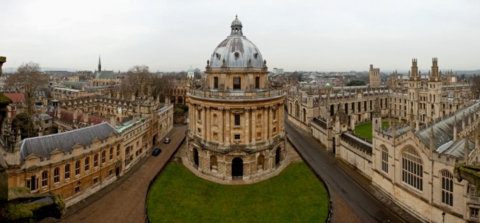 oxford-photo Top 10 Public & Private Engineering Colleges in the World