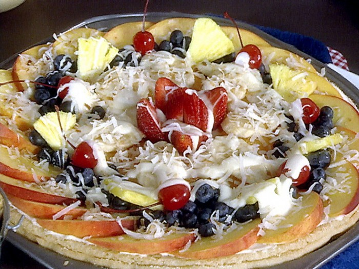 pa1b25_fruit_pizza_lg Do You Like Fruit Pizza? Learn How to Make It on Your Own