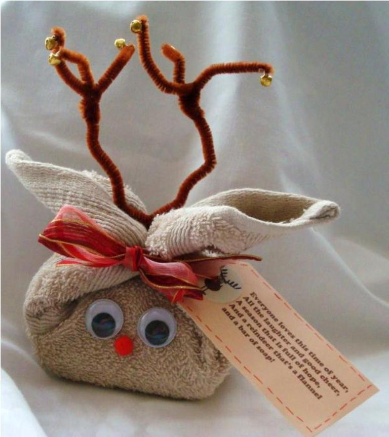 packaging-christmas-gift-7 40 Creative & Unusual Gift Wrapping Ideas