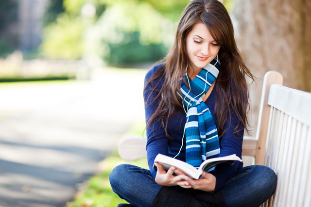 reading-640 8 Tips To Become An Excellent Student