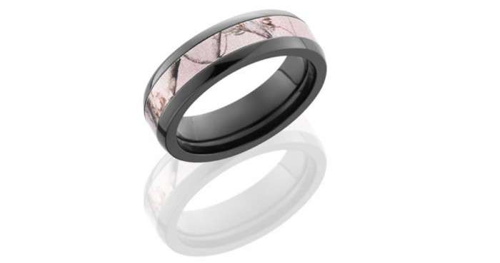realtree-pink-camo-wedding-rings 40 Unique & Unusual Wedding Rings for Him & Her