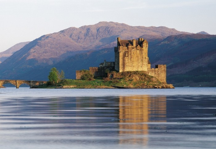 scotland-EILEAN-DONAN-CASTLE-HIGHLAND-1024x708 Top 10 Best Countries to Visit in the World 2017