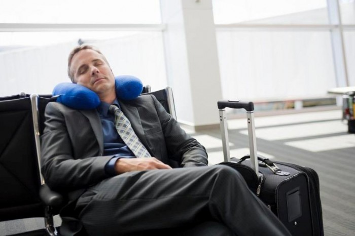 sleeping_in_airport 15 Travel Tips You Have to Know to Enjoy Your Holiday