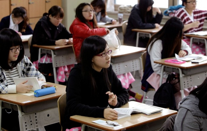 south-korean-students Top 10 Best Countries for Education