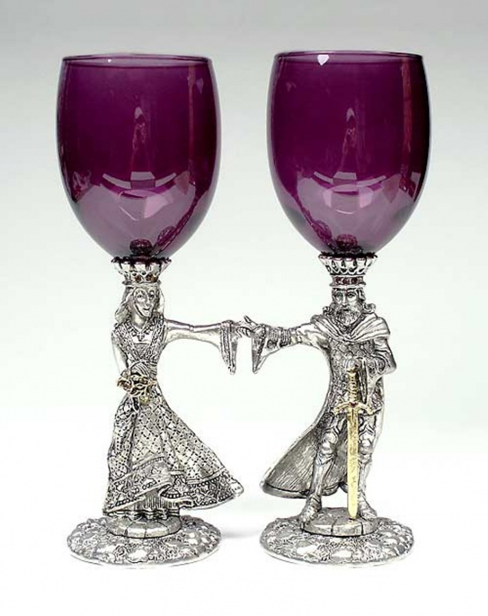 toasting-glasses-purple-fl-k310 35 Best Affordable & Catchy Bachelorette Party Gift Ideas