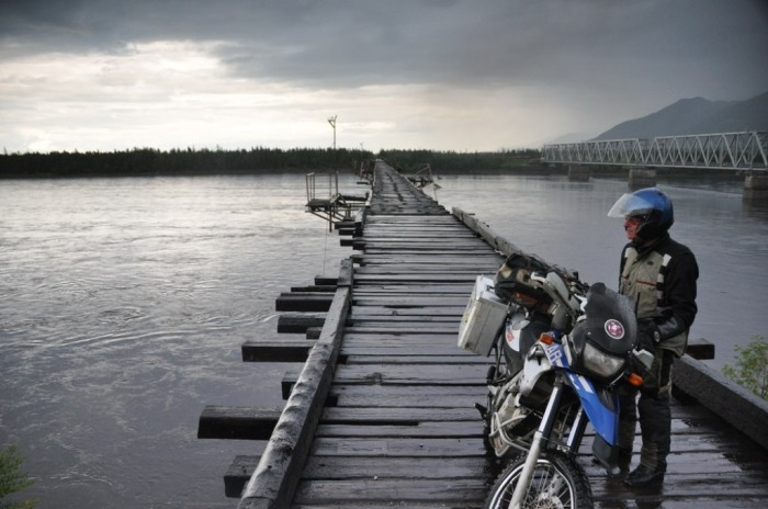 victim-river The World's 15 Scariest Bridges that Will Freeze Your Heart