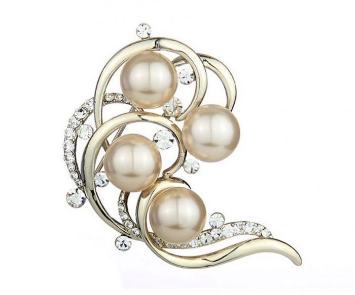 vintage_pearl_swarovski_brooch_044007_1 50 Wonderful & Fascinating Pearl Brooches