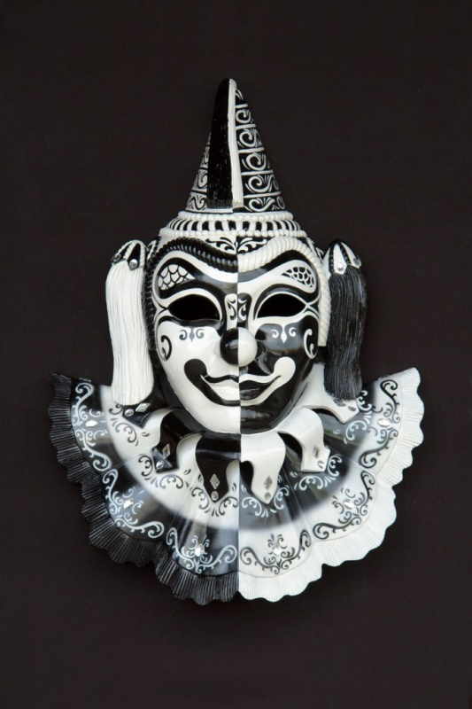 2731-C1 89+ Most Stylish Masquerade Masks in 2020