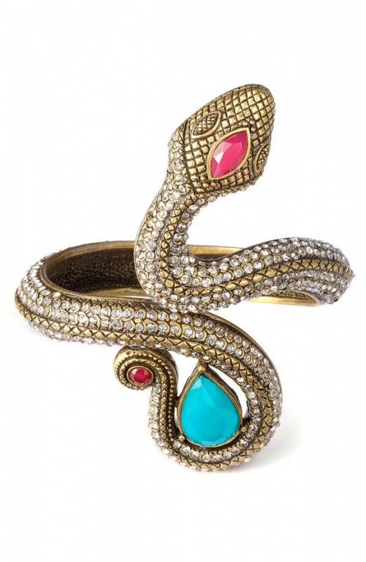 2hcl153 49 Famous Forearm Jewelry Pieces