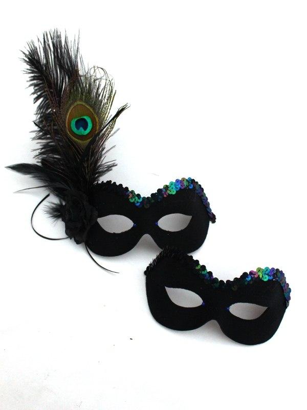 Couples-Peacock-Masks 89+ Stylish Masquerade Masks in 2018
