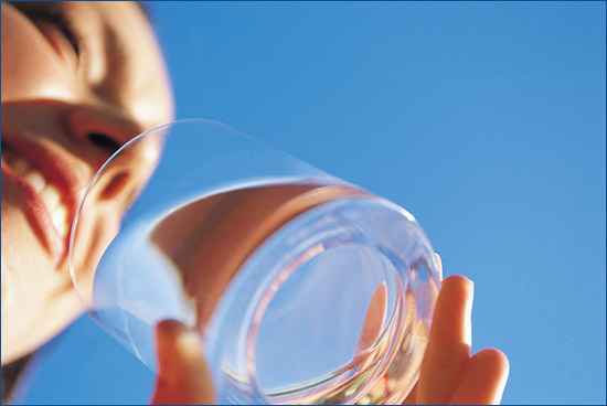 Drinking-Water Follow These 8 Steps To Lose Weight With Water