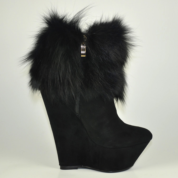Giuseppe-Zanotti-Suede-With-Fur-Double-Zipper-Wedge-Boots_2 Top 79 Stylish Winter Accessories in 2018